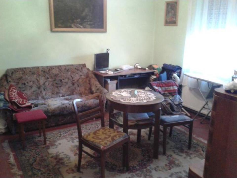 Casa singur in curte, central Sibiu