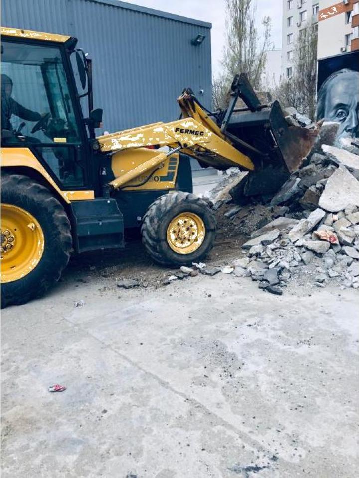 Inchiriere buldoexcavator Fermec 860